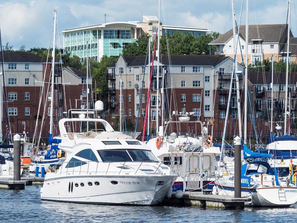 Yacht Brokers: Friend or Foe?